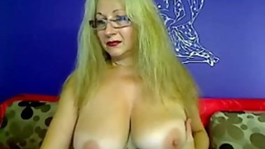 Lady_Amber_mature_webcam_lady