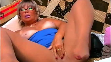 MiddleAgeBlondie' mature webcam chat (1)