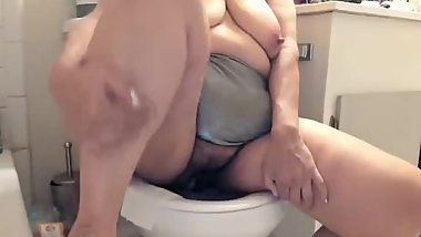 Sexy sweet Mature Latina woman with big hairy pussy peeing pissing
