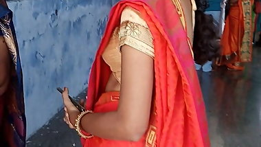 Tamil hot young college girl side boobs in temple (HD)