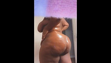 BBW Oiled Her Big Ass Pt1