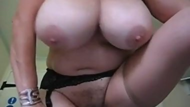 MATURE HAIRY PUSSY AN BIG BOOBS
