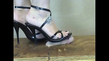 Mature Amature Milf Feet Femdom POV CockBox Footjob / Shoejob in High Heels