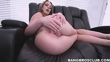 Voluptuous mature whore Daisy Stone loves having anal sex