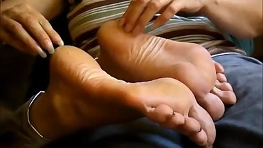 mature feet scratching real nails