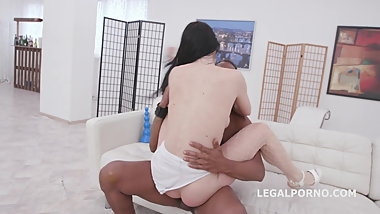 Juicy Leila Vs Dylan Brown Balls Deep Anal