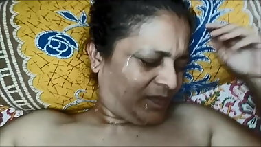 Desi matured wife cummed on face
