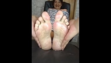 Mature mom tickled (more in private)