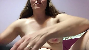 I am Jessica and I do my masturbation my pussy