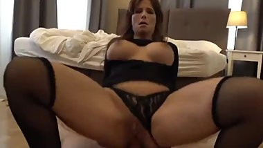Mature american MILF gets hard anal fucked by stranger in Prague