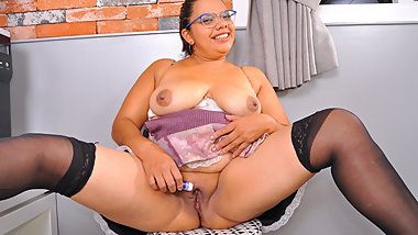 Latina BBW maid Karina finds sex toy and plays with herself