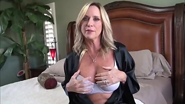 Naughty mature stepmom gets amazing creampie from her stepson