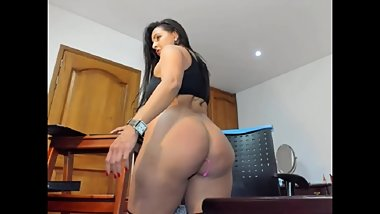 Big ass Mature Latina teasing on cam pt2