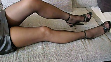 Hot Mature in Stilettos