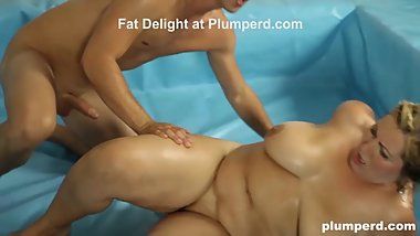 Oily BBW Fuck Fight