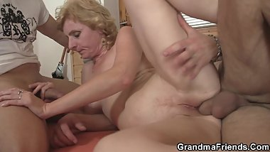 Old skinny blonde mature woman threesome fuck