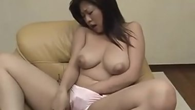 Mature Nana Masaki enjoys warm masturbation - More at hotajp com