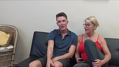Horny mature MOM sucks and fucks