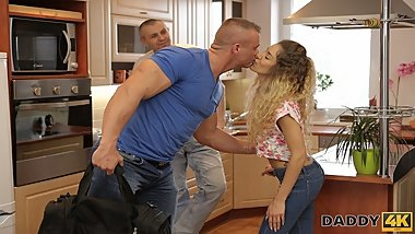 DADDY4K. Monique Woods manages to fuck BFТs mature father